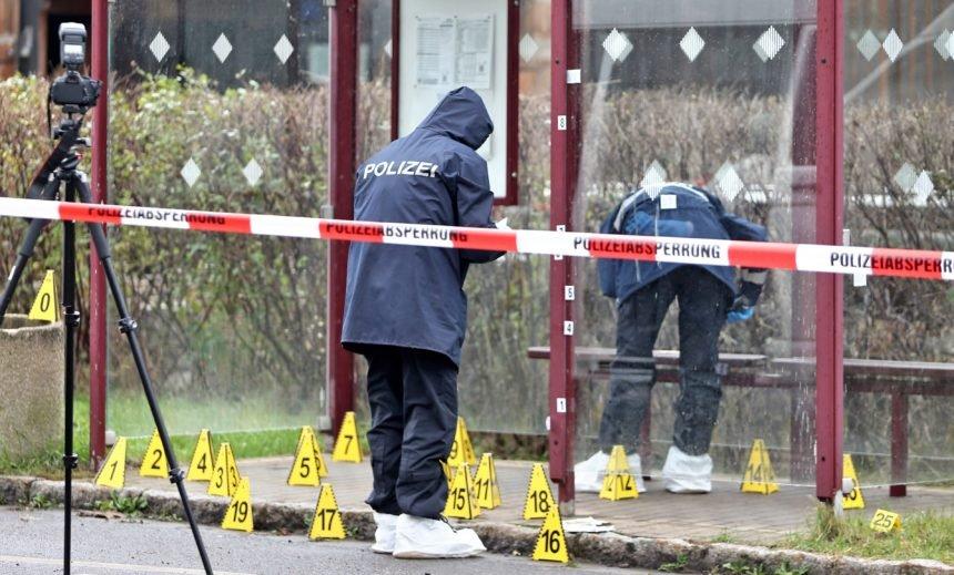 Dvije žrtve bezumnog napada u Njemačkoj: Uhićena jedna osoba, napadač nosio kacigu s kamerom