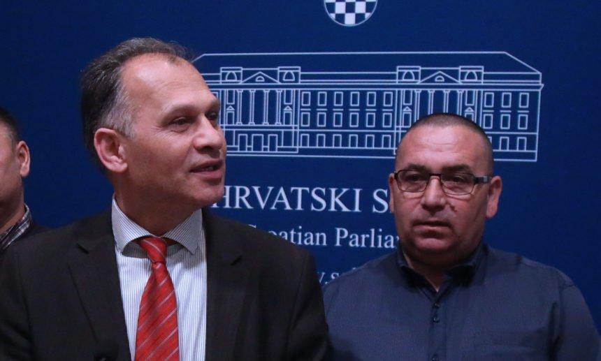 Veljko Kajtazi osudio napad Roma na 82-godišnju majku zastupnice Božice Makar