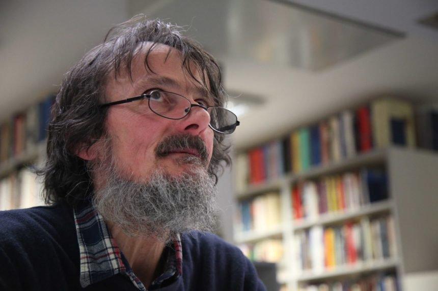 Poznati književnik Edo Popović: Pobijedio sam tešku bolest pluća, a sada se borim s rakom krvi