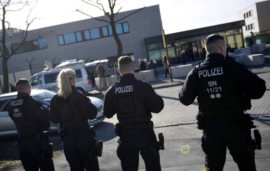 Zaletio se autom na karnevalsku povorku: Ima pun ozlijeđenih. Je li riječ o terorističkom napadu?