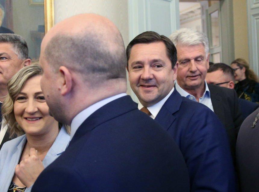 """Čistke u HDZ-u: Donosimo imena koja se nalaza na Mikulićevoj """"listi za odstrel"""""""