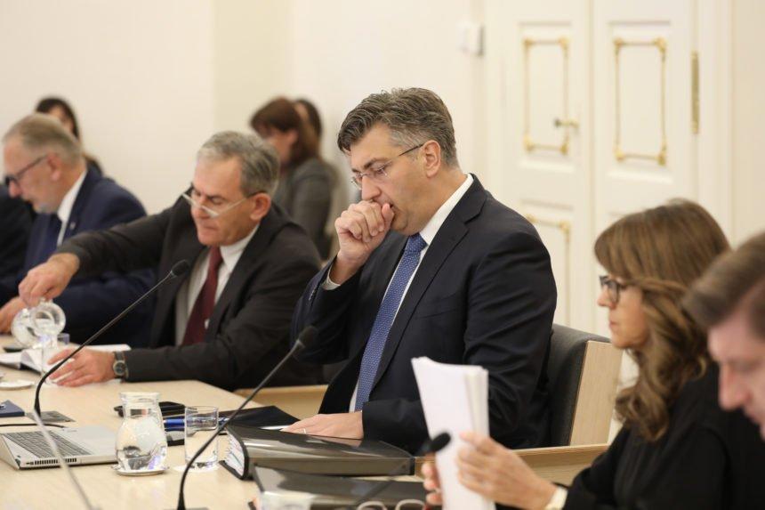Plenković nemoćan: Tvrdi da nema razloga za štrajk učitelja, ali nema snage smijeniti ministricu koja ga ucjenjuje