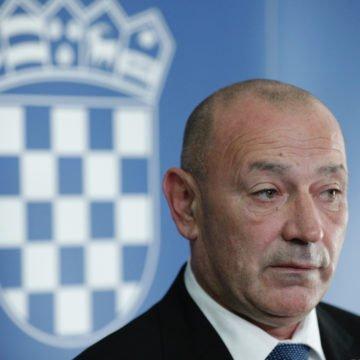 Medved brani koaliciju s Pupovčevim SDSS-om i jako stidljivo govori o odšteti koju Srbija treba platiti