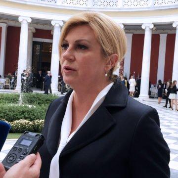 Zbog izjave na stadionu Komšić Kolindu usporedio sa Šešeljem: Nije mu ostala dužna