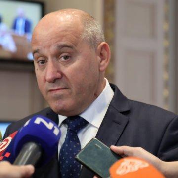 Bačić brani Plenkovićevu kapitulaciju: Vlada je pokazala da brine za sve u državnom i realnom sektoru