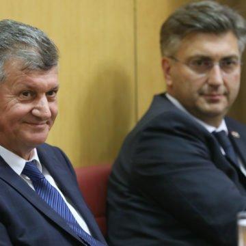 Kujundžić ostaje ministar: Samo 48 zastupnika za opoziv