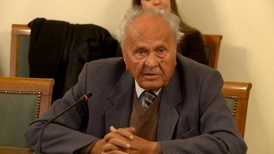 Manolić je postao ikona ljevice kada je napao Kolindu i podržao Milanovića: Ali on uopće ne zna da je njegov kolega Perković u zatvoru