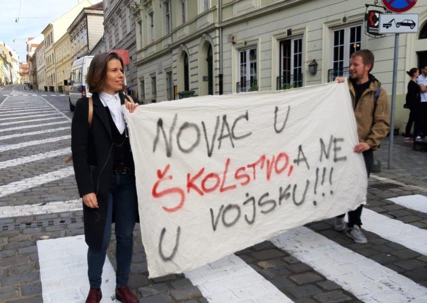 Kandidatkinja Radničke fronte Katarina Peović: Novca za prosvjetare ima, uzmite od vojske