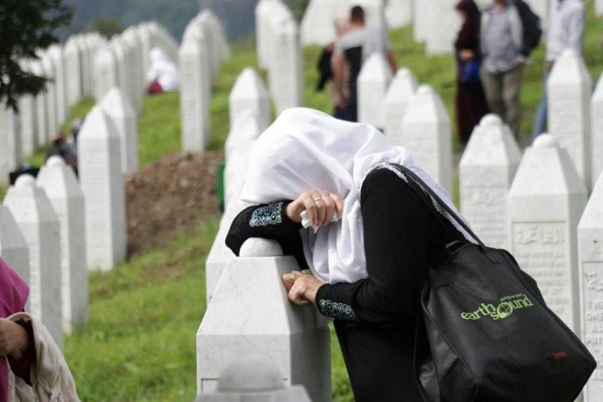Majke Srebrenice u Sarajevu prosvjedom dočekale švedsku kraljevsku obitelj: Nobelovu nagradu su mogli dati i Miloševiću