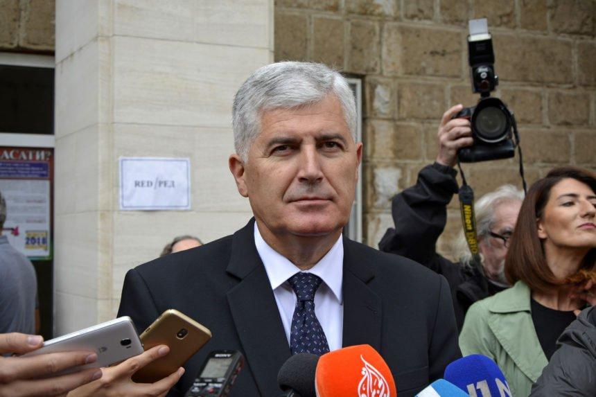 VIDEO: Branitelj prekinuo skup na Kupresu žestokim kritikama na račun Dragana Čovića