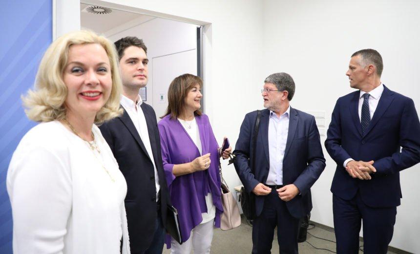 Velika koalicija SDP-a i HDZ-a u Bruxellesu: Samo Sinčić i Kolakušić glasali protiv Ursule i Šuice