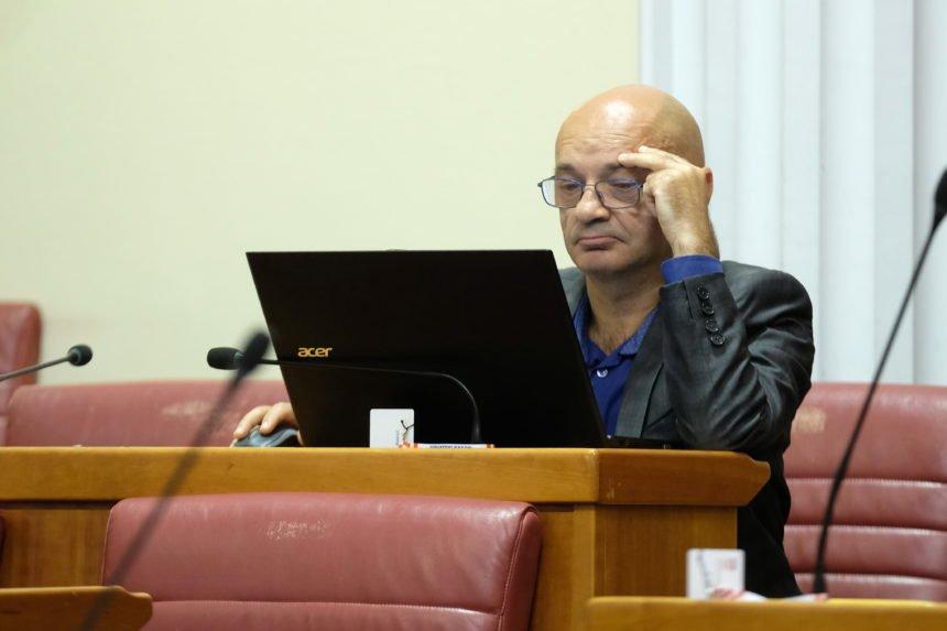 """Goran Aleksić traži kazneni progon Raiffeisen banke: Optužio je i guvernera Vujčića koji se """"pravio blesav"""""""