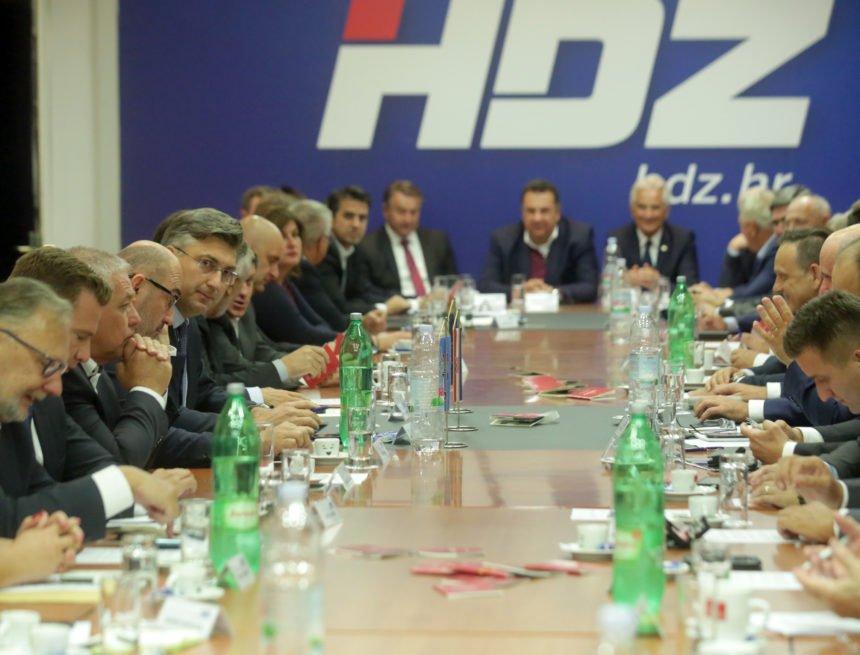 """Predsjednica Časnog suda zagrebačkog HDZ-a: """"Uskok i hajduke"""" se izbacuje mimo procedure"""