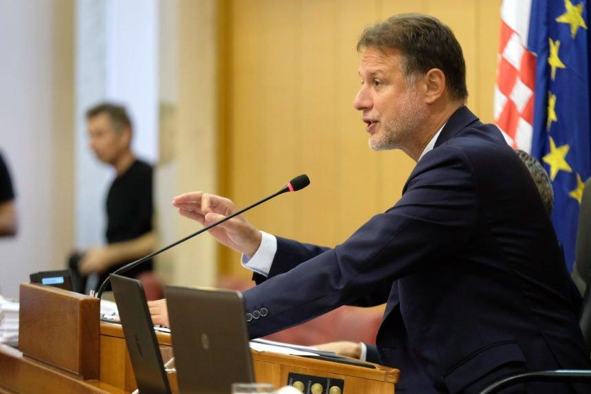 Jandroković zna tko želi biti prvi mrgud Hrvatske:  Milanović je mrzovoljan, ljutit i bijesan