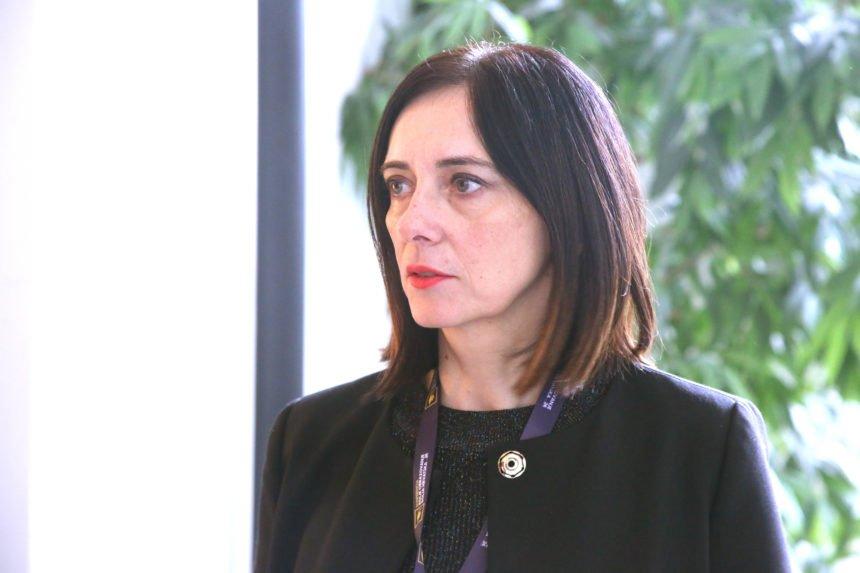 Ministrica Divjak priznala poraz: Praznici će biti skraćeni, a izgledan je i produžetak nastavne godine