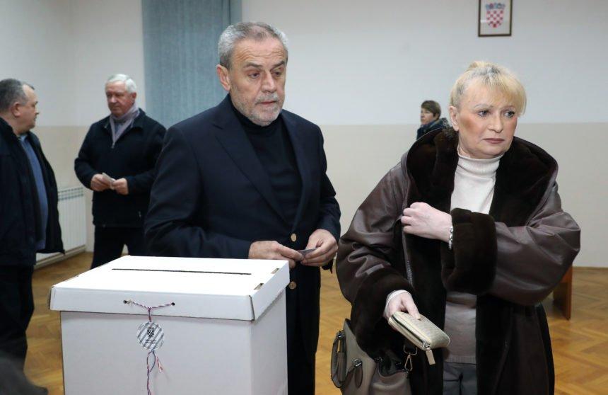 Ispod cijene: Bandićevi od prijatelja Šelendića kupili stan u strogom centru Zagreba za manje od 100.000 eura