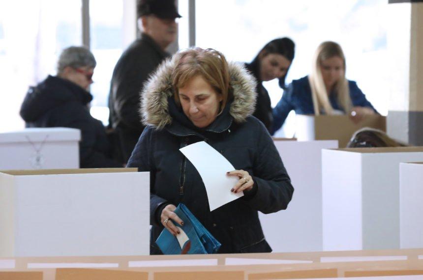 Do 16.30 sati glasovalo 43,5 posto birača: Znatno manje nego u drugom krugu prije pet gdina
