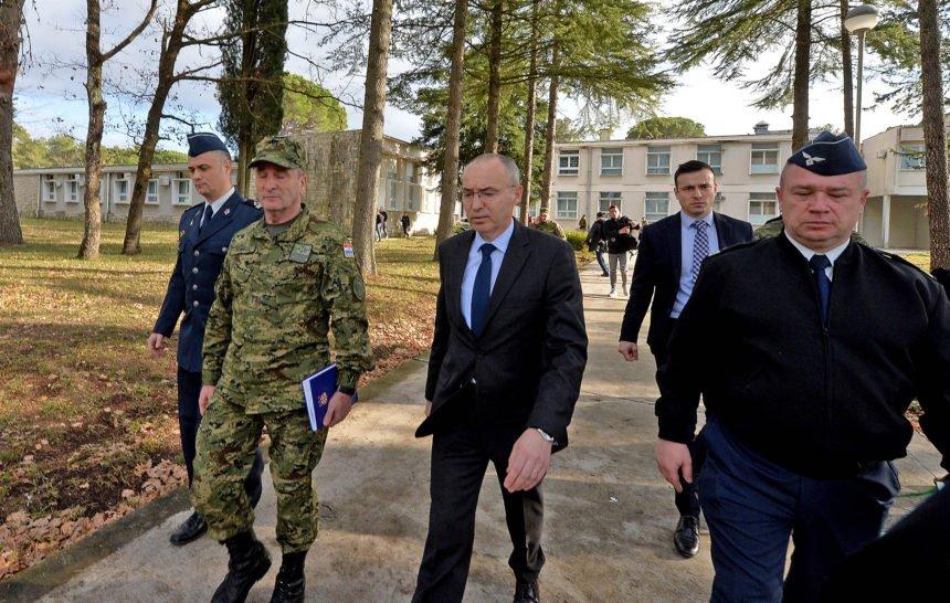 Zapovjednik hrvatskog ratnog zrakoplovstva: Sumnjam da su piloti uopće imali priliku izaći iz helikoptera