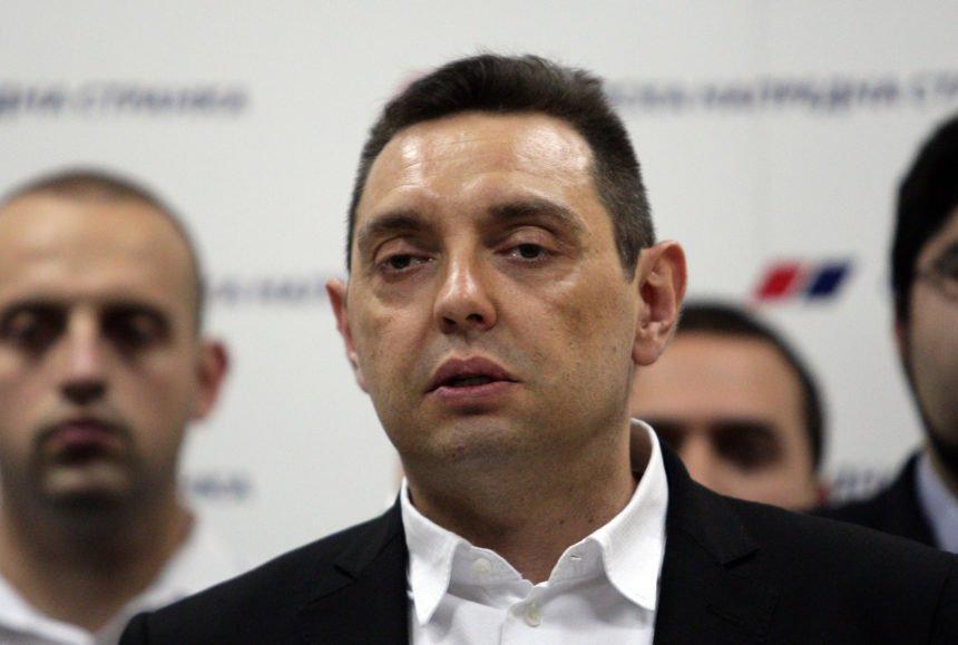 Vulin ponovno provocirao pa je imao probleme na granici: Požalio se da Crnogorci kopiraju Hrvate