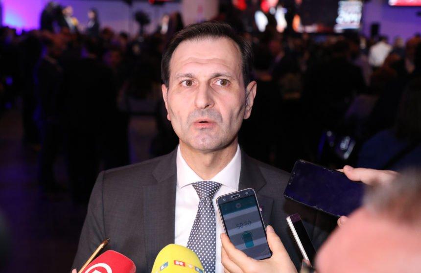 Kovač ponovno žestoko kritizirao Plenkovića: Zašto je Hasanbegović sjedio s Kovačem i Penavom