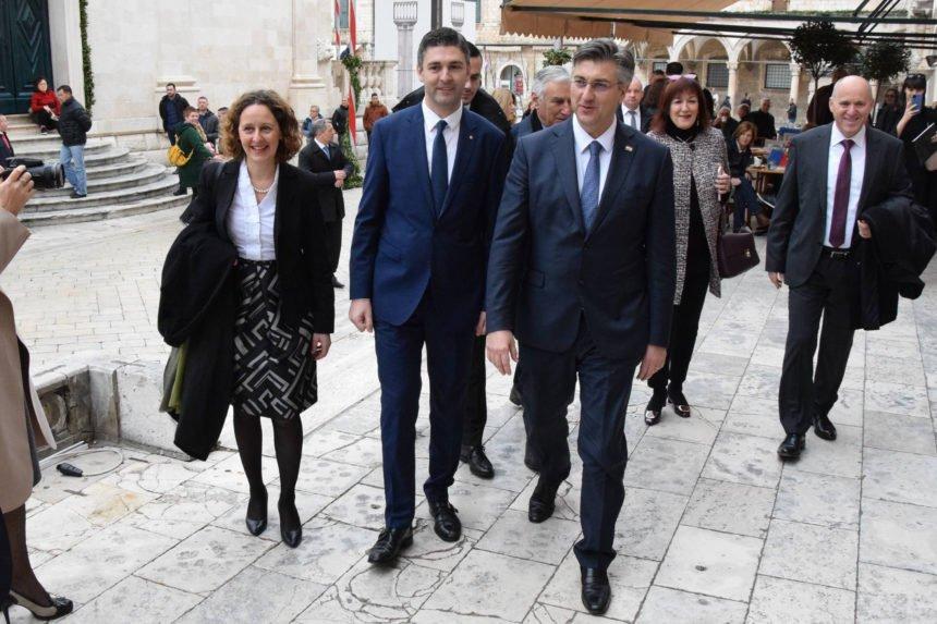 Plenkovića iživcirao trivijalni Milanović: Miješa se, a nije ni stupio na dužnost