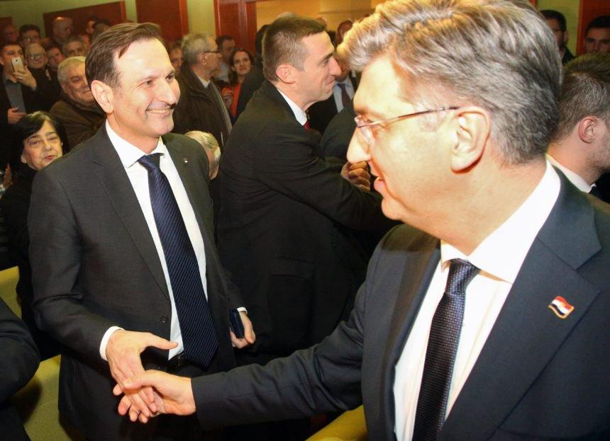 Kovač tvrdi da se Plenković boji za svoje radno mjesto: Neće mu pomoći ni migrantska kriza, ni koronavirus
