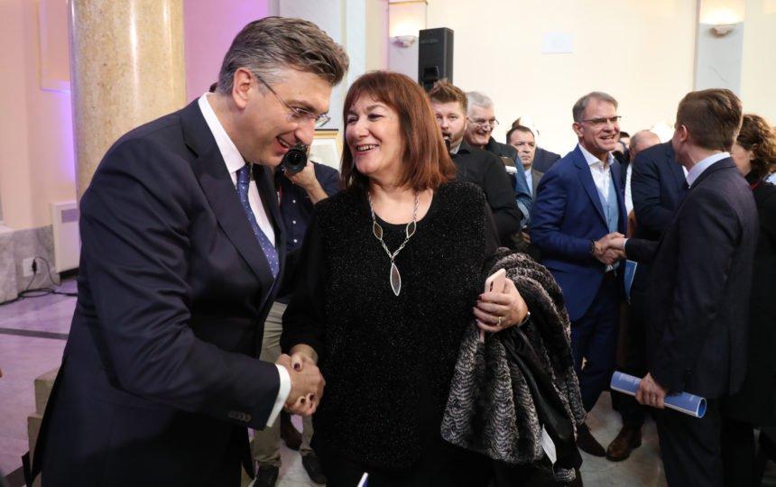 """Kao za vrijeme komunizma: Novinar kojeg je nazvala """"kuma"""" Dubravka Šuica tvrdi da mu nije ukinuta emisija. Navodno je uzeo """"slobodne dane"""""""