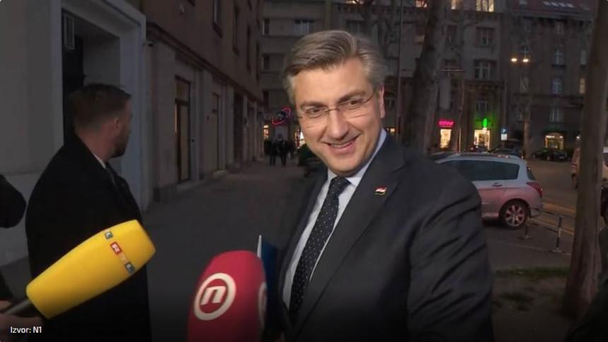 Plenković fašnički ironično o Miri Kovaču: Kapulica otkrio koliko je potpisa skupio šef HDZ-a