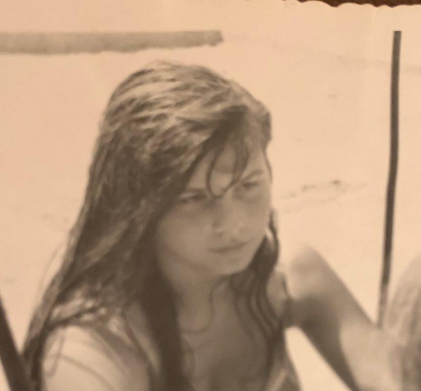 Vidite li i vi tugu u očima ove djevojčice: Kasnije je postala moćna političarka