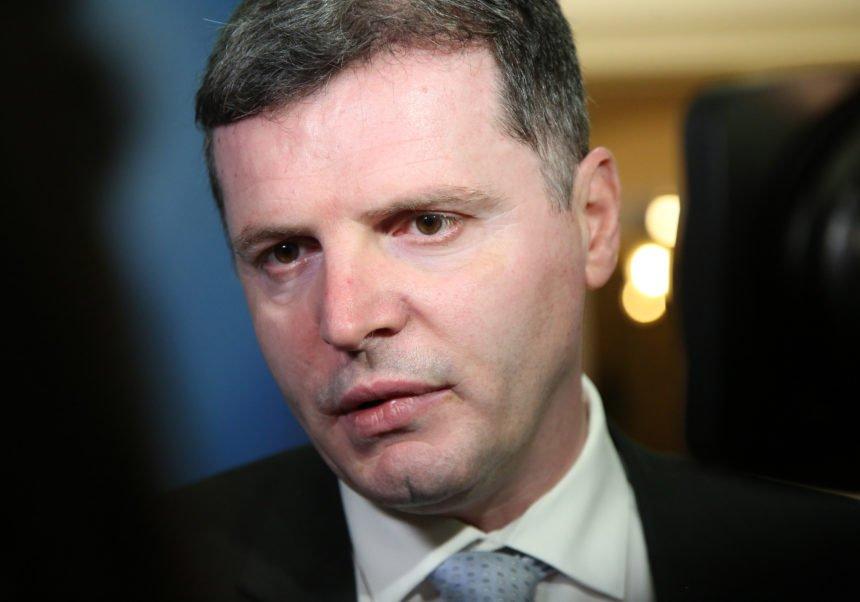 Skandalozno ponašanje bivšeg ministra zdravstva: Dario Nakić izbjegao samoizolaciju i ugrozio pacijente