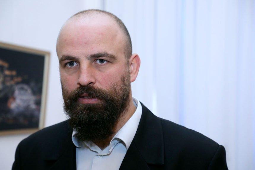 Pater Tvrtko Barun jako neodgovorno pristupa migrantskoj krizi: Napao Plenkovića i Europsku uniju jer štite granice