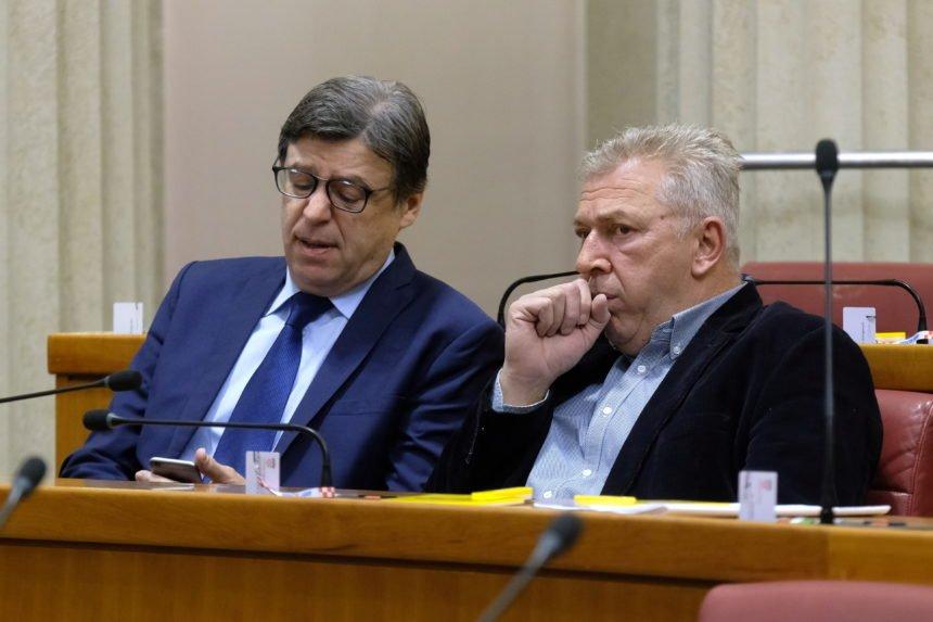 """Ranko Ostojić širi defetizam: Tvrdi da se ilegalne migrante ne može zaustaviti. Spominjao je i zabijanje """"noža u leđa"""""""