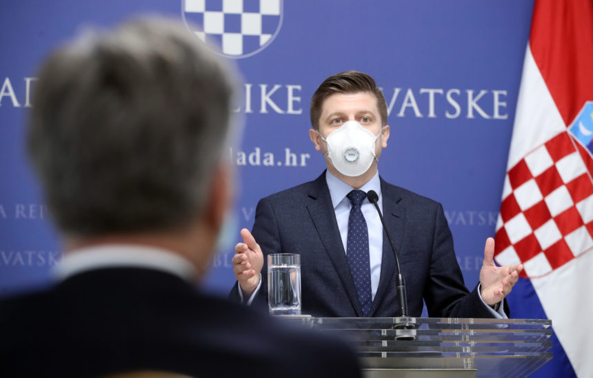 """Ministar Marić nosio je """"sebičnu"""" masku koja je štitila samo njega: Evo što o maski s filterom kaže Alemka Markotić"""
