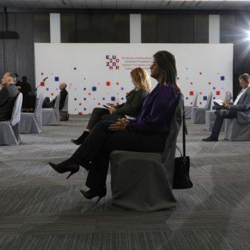 Glasnović napao Pupovčeve Novosti, Radu Borić i novinarku Hine: Zašto ih je proglasio moralnim tifusarima