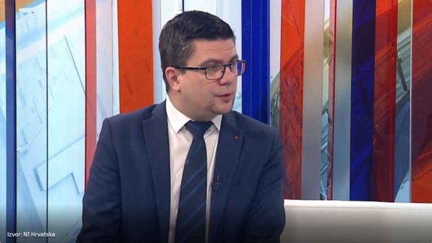 Domagoj Hajduković se ruga EU zato što je impotentna:  SDP-ova  politika prema ilegalnim migrantima je još impotentnija