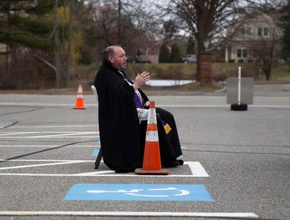 Katolički svećenici u svijetu omogućavaju drive-in ispovijedi: Zašto to nije moguće u Hrvatskoj?