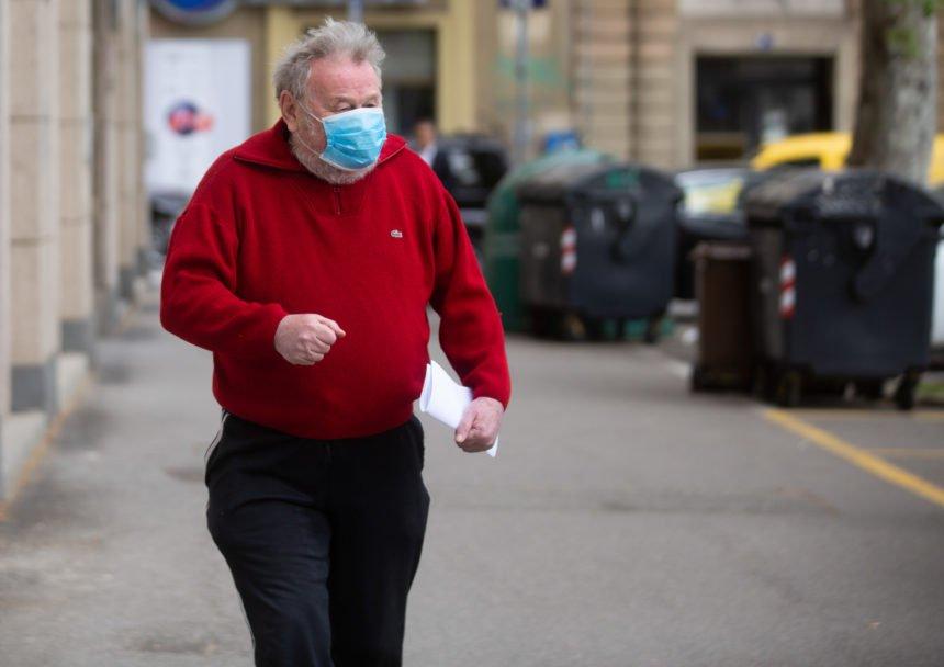 """Šeks """"naoružan do zuba"""" u borbi protiv koronavirusa: Na Predsjedništvo HDZ-a jedini došao s maskom na licu"""