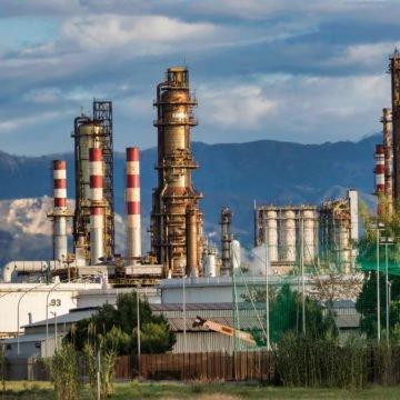 Zemlje OPEC+ smanjile proizvodnju nafte na najnižu razinu u povijesti da bi joj mogle podići cijenu