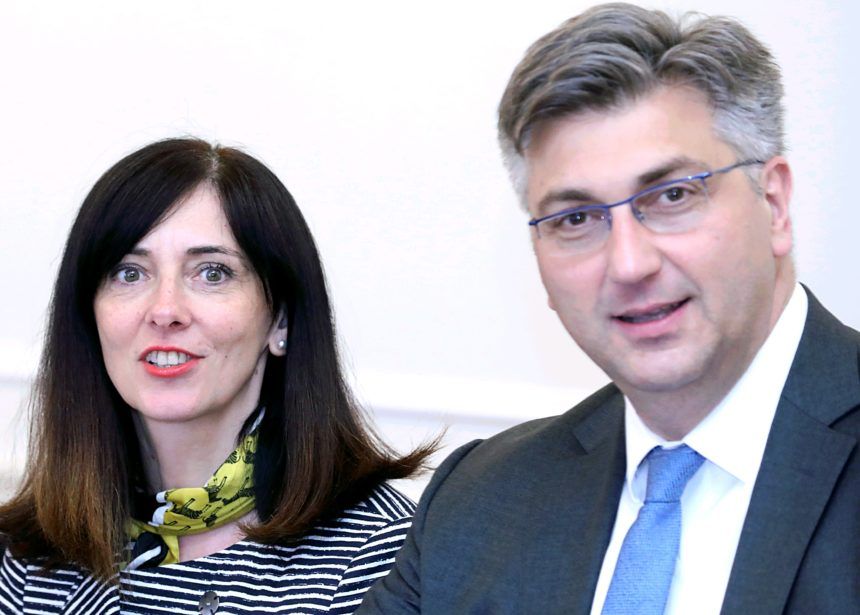 Lakrdija od školske godine: Plenković i Divjak se sada postavljaju kao zaštitnici loših učenika od 'zlih' učitelja