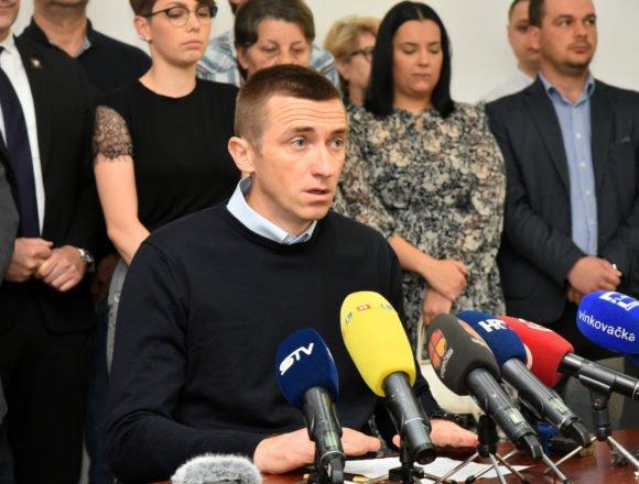 """Ivan Penava zabrinut: Državne službe i """"neovisni mediji"""" žele mi napakirati"""