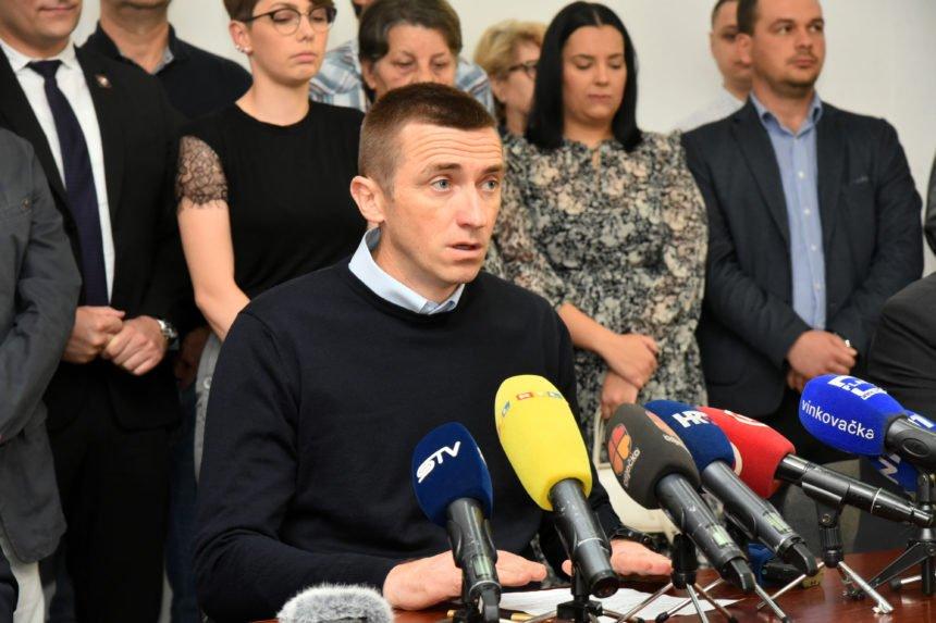 Vjerni HDZ-ov partner oštro napao Penavu: Zapravo je Hrebak optužio  gradonačelnika Vukovara da odobrava terorizam