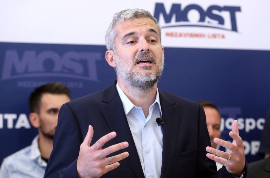 """Raspudić nikad oštriji prema """"infantilnom Plenkoviću i prevrtljivom Čačiću"""": """"Transparentni Hrebak"""" podržava korumpirani HDZ"""
