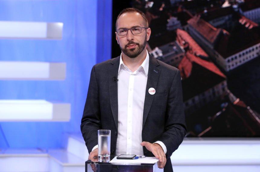 Podjela u obitelji Tomašević: Sin Tomislav ulijevo, a otac Smiljan udesno