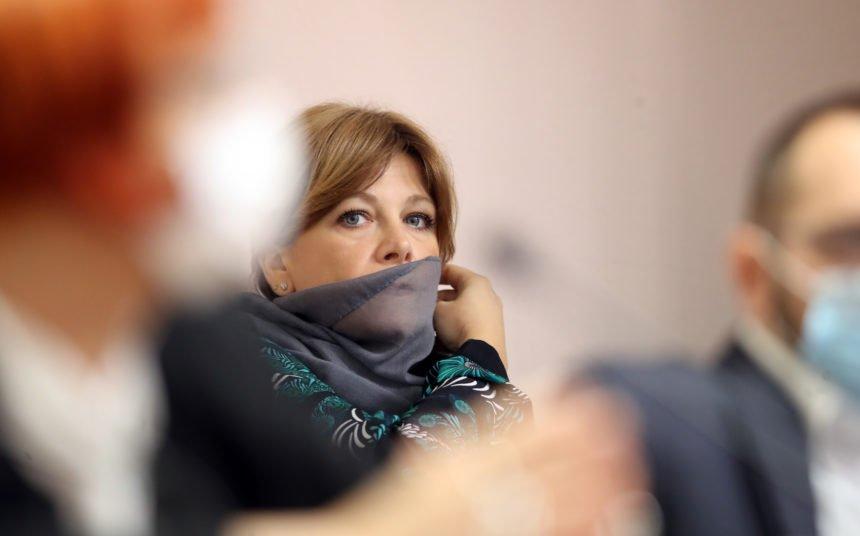 Karolina Vidović Krišto ustala protiv dužničkog ropstva: Plenković je odobrio da se ponovno provode lihvarske ovrhe