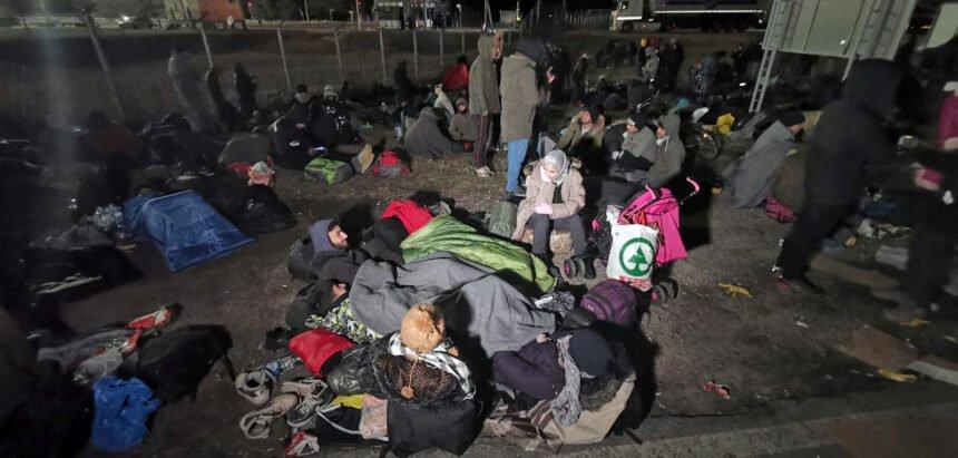 Sedam tisuća migranata blizu hrvatske granice: Migrant zaražen koronom pobjegao iz izolacije