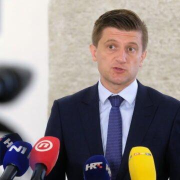 UŽIVA NA LUKSUZNOJ JAHTI: Zašto ministar Marić skriva identitet svog imućnog prijatelja