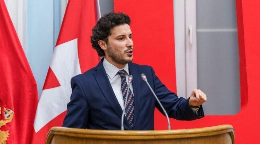 Hrvatski analitičar: Amfilohije Radović i Đukanović se bore za naklonost Dritana Abazovića