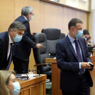 Plenković i Jandroković se ponašaju kao zločeste maćehe: Zašto ne žele riješiti problem djece s dvostrukim identitetom?
