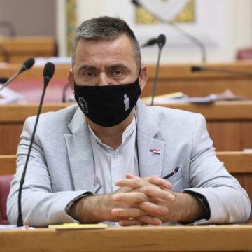 Stipo Mlinarić Ćipe pita Andreja Plenkovića: Zašto je agent SOA-e došao po pijane HDZ-ovce?