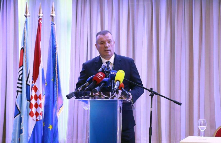 HDZ-ovi branitelji žestoko napali Penavu: Ponovno je relativizirao pokušaj ubojstva trojice policajaca